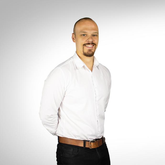Simon Lewis Freelance Marketer